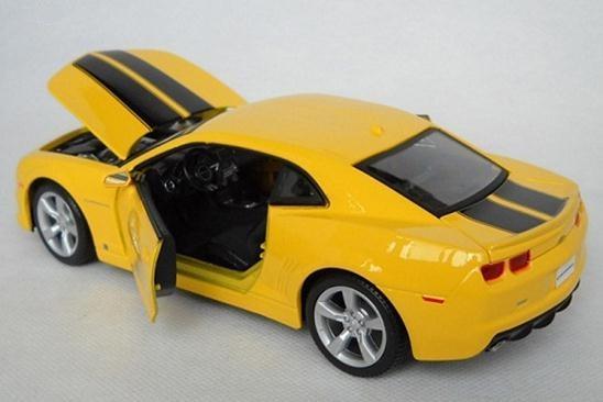 โมเดลรถ โมเดลรถยนต์ รถเหล็ก chevrolet Camaro RS 2010 7