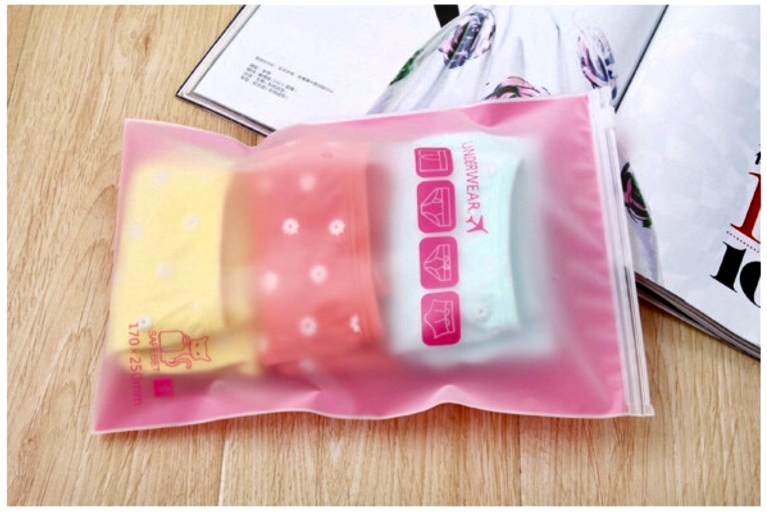 Free Gift 1 ชิ้น เมื่อซื้อสินค้าครบ 2500 บาท ^_^