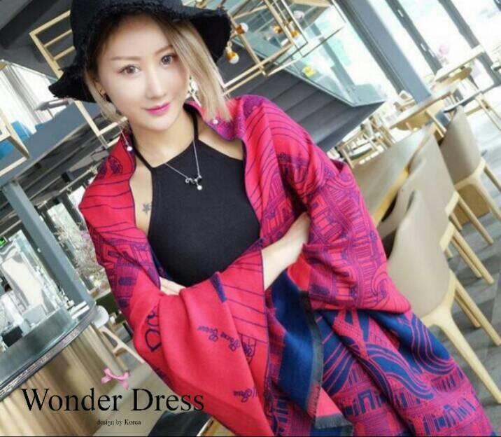 เสื้อผ้าเกาหลี พร้อมส่งผ้าคลุมไหล่ลายหอไอเฟล เนื้อผ้าสวยมาก
