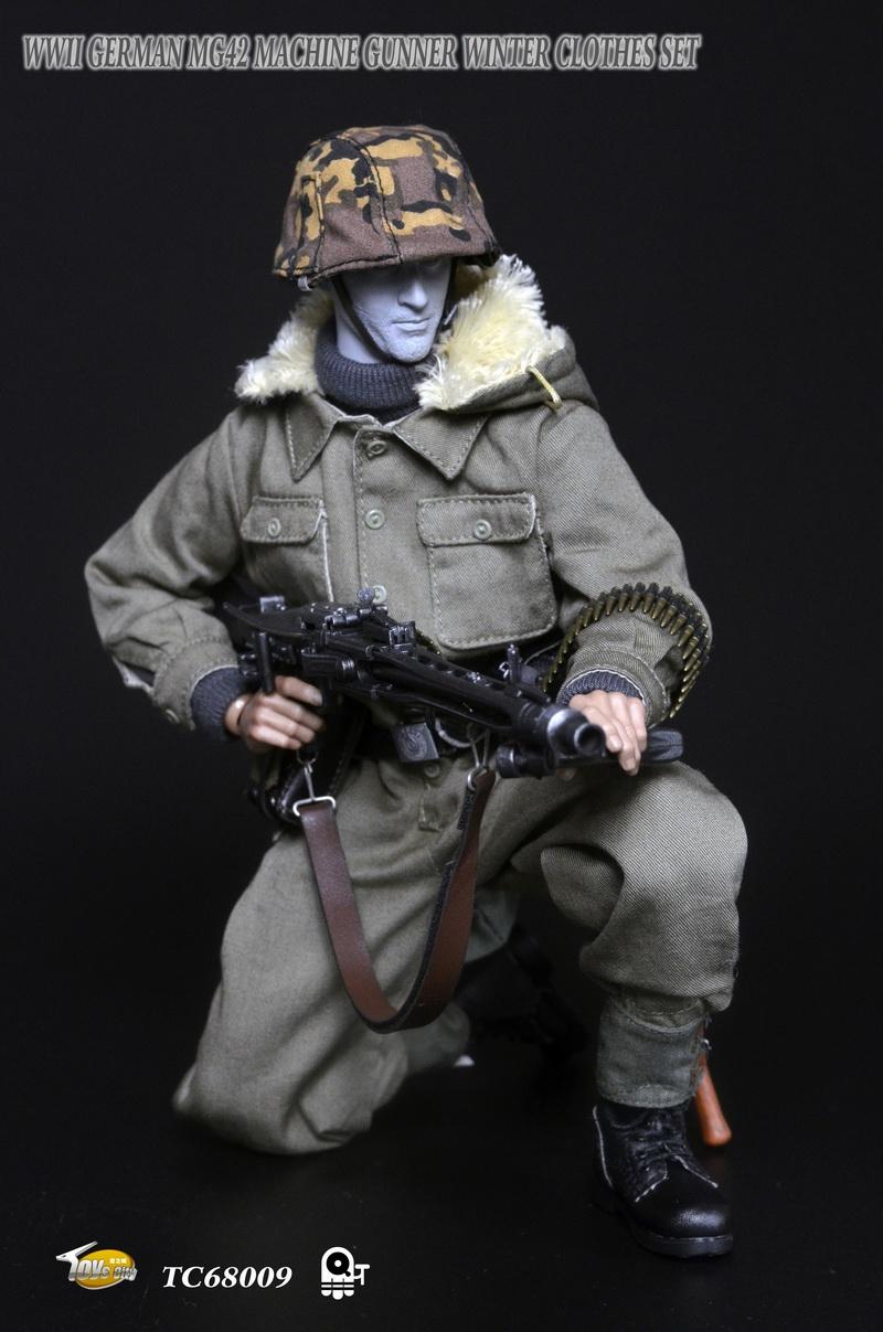 Toyscity TC-68009 WWII GERMAN MG42 MACHINE GUNNER WINTER CLOTHES SET