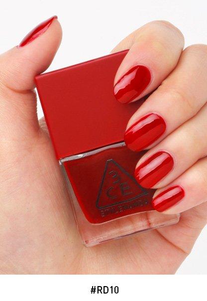 *พร้อมส่ง*3CE Red Recipe Long Lasting Nail Lacquer #RD10 ยาทาเล็บคอลเลคชั่นใหม่ล่าสุด!! ในโทนสีแดง ดูแพงสุดๆ สีแซ่บมาก สีขับผิวมือสว่างออร่าสุดๆ สวยหรูดูแพง สวยทุกสีเลยจ้า ,