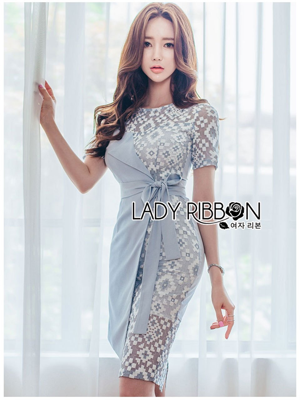 🎀 Lady Ribbon's Made 🎀Lady Sofia Graphic Two-Tone Baby Blue Dress