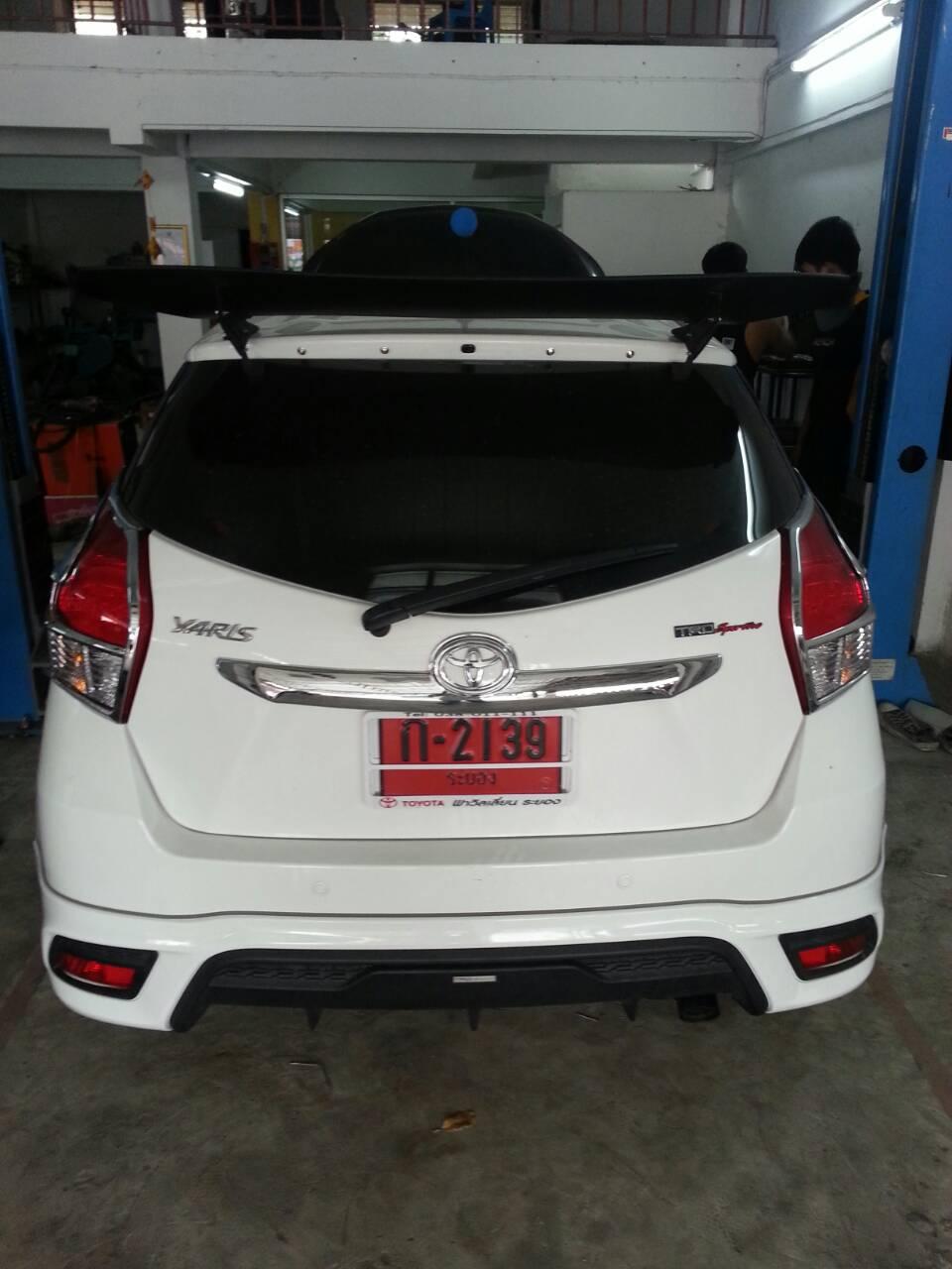 All New Toyota Yaris ชุดท่อ Jsใบสั้นคู่หม้อพักกลางสูตร