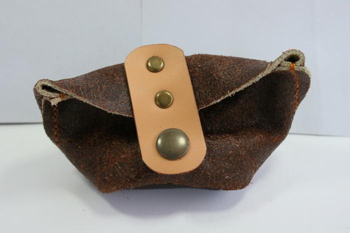 กระเป๋าหนังแท้ กระเป๋าใส่เหรียญ สีน้ำตาล สภาพดีมาก
