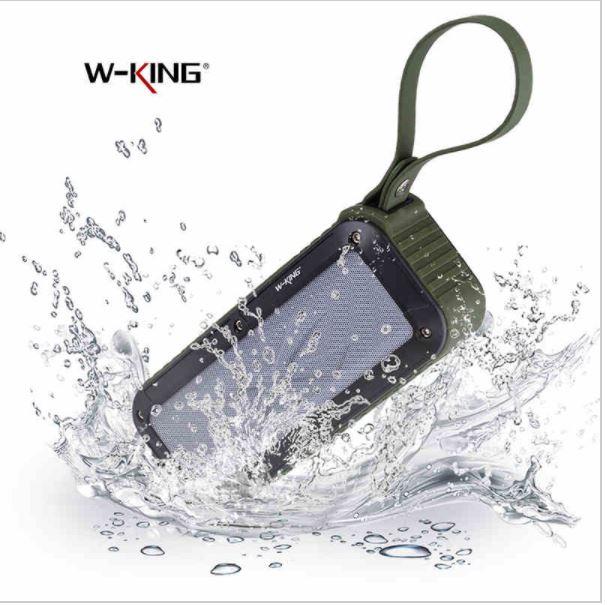 สามารถ กันน้ำได้ ด้วยมาตรฐาน IPX6 ที่สามารถกันน้ำได้เป็นอย่างดี และสามารถทนแรงกระแทกจากการตกหล่นได้ ตัวลำโพงผลิตจาก พลาสติกคุณภาพดี แข็งแรงทนทาน
