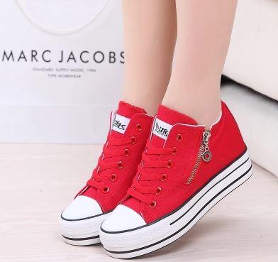 รองเท้าผ้าใบพื้นหนาเสริมสูง 6 cm