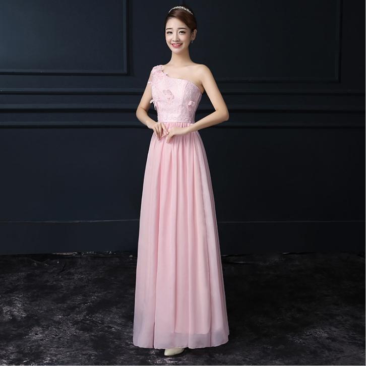 ชุดราตรียาวสีชมพู ไหล่ปาดเฉียงข้าง ลุคสวยสง่า ดูดี เป็นชุดใส่ออกงาน ไปงานแต่งงานแต่งธีมงานสีชมพู