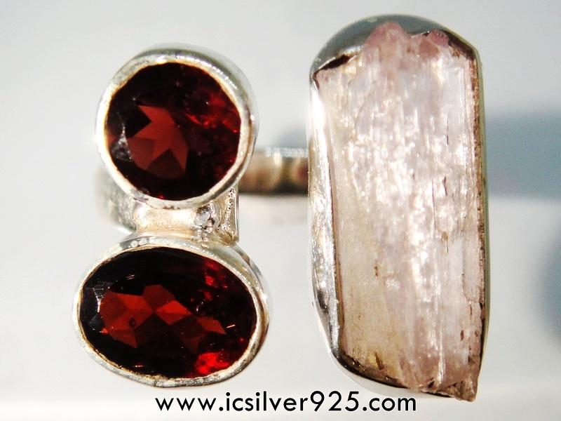 Pink Kunzite & Garnet แหวนเงินแท้ 925 (แหวนเบอร์ : 56)