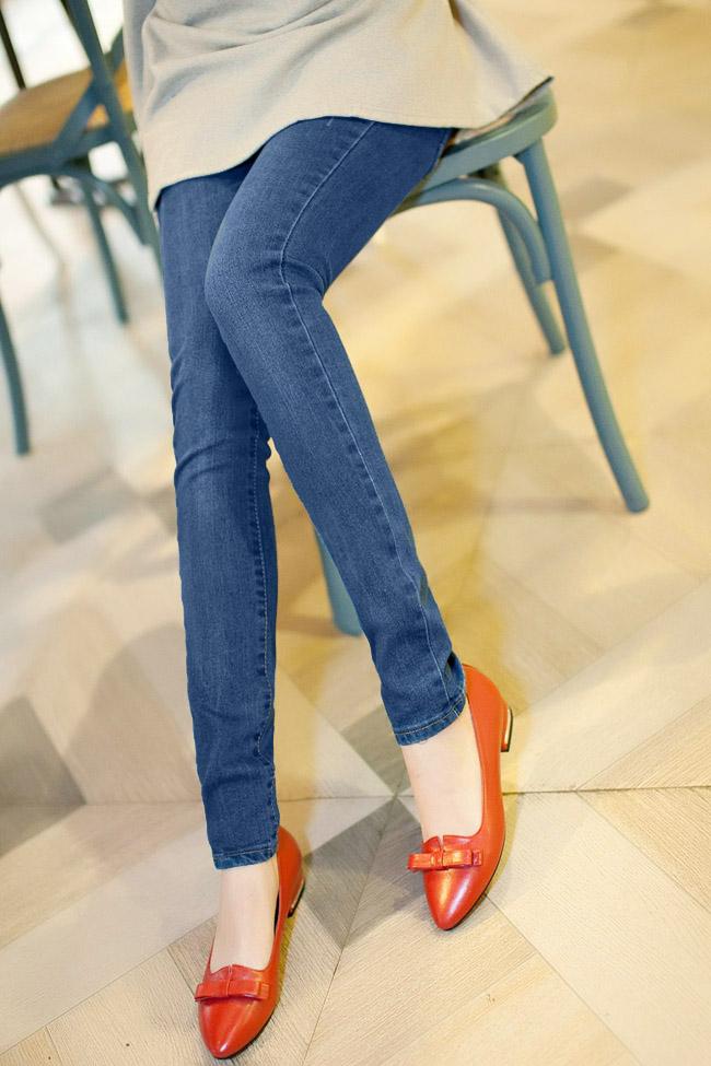 เลคกิ้งคนท้อง P38 สี light blue jean มีผ้าพยุงครรภ์และสายปรับเอว ราคาส่ง 590 บาท