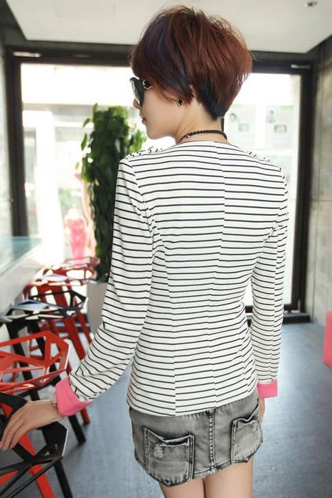 เสื้อสูทแฟชั่น เสื้อสูทผู้หญิง ลายทางขาว-ดำ แต่งแขนพับสีชมพู