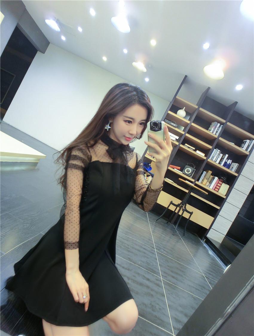 ชุดเดรสแฟชั่นเกาหลีสีดำแต่งระบาย