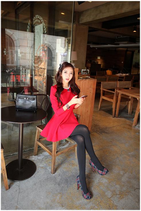 ชุดเดรสทำงานแฟชั่นเกาหลีสีแดงแขนยาวเข้ารูปกระโปรงบานน่ารัก