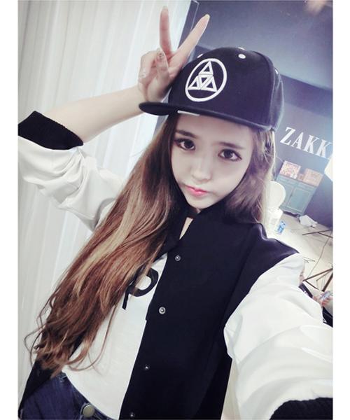 เสื้้อกันหนาวแฟชั่นเกาหลีสีกรมแขนสีขาวสวยๆ