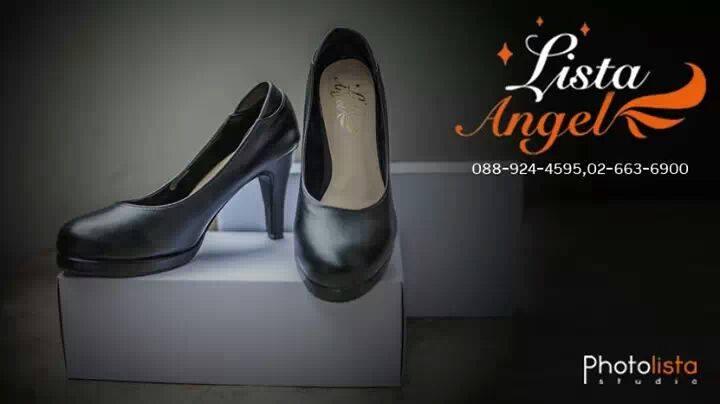 รองเท้าสีดำ เบอร์38