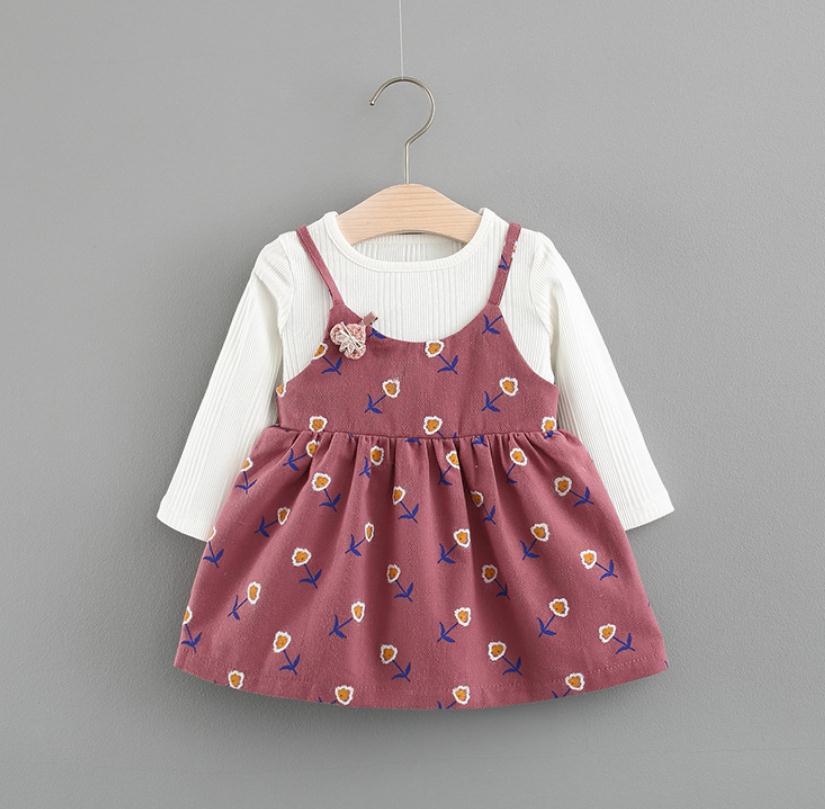เสื้อ+เอี้ยมกระโปรง สีน้ำตาลแดง แพ็ค 4 ชุด ไซส์ 70-80-90-100