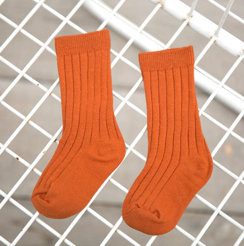 ถุงเท้ายาว สีส้มแพ็ค 12 คู่ ไซส์ L (อายุประมาณ 6-8 ปี)