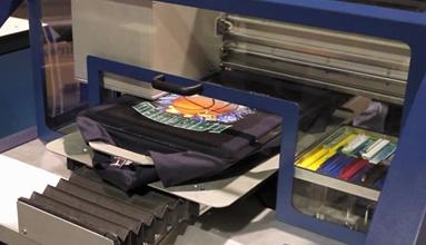 ข้อแตกต่างของงานพิมพ์เสื้อของผ้าสีอ่อนและผ้าสีเข้ม