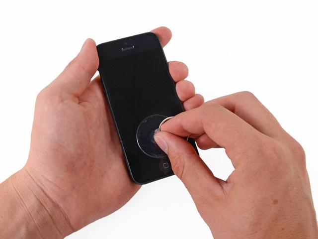 วิธีเปลี่ยนแบต iPhone 5 ขั้นที่ 2