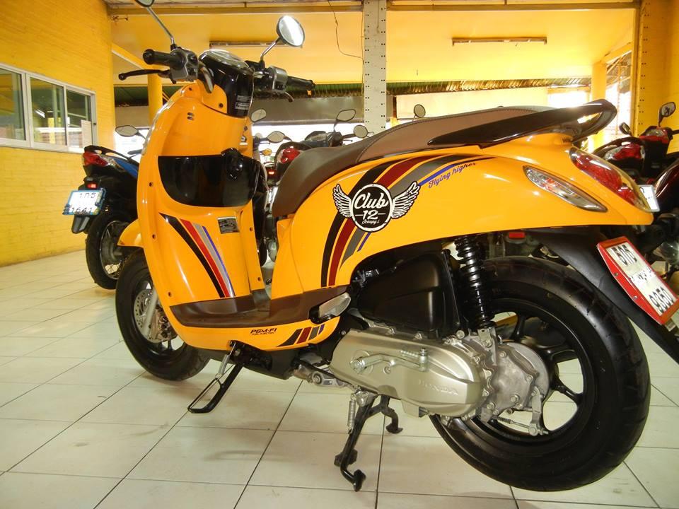 Rental Honda Scoopy Club 12 110cc Auto