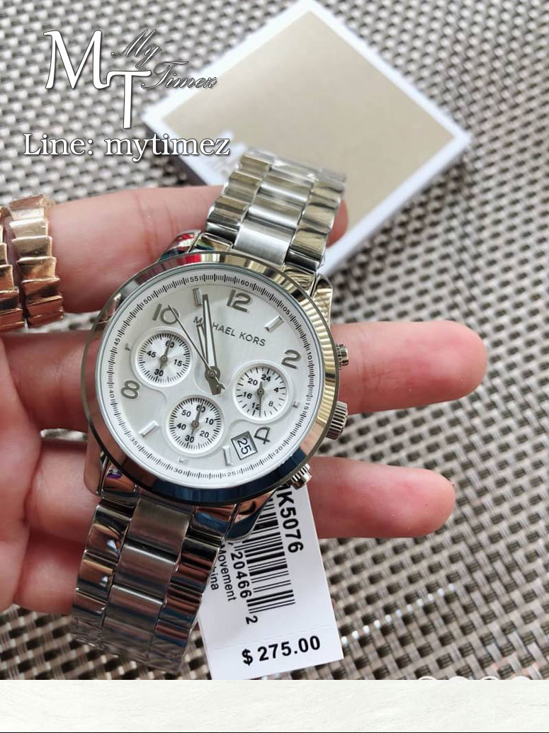e945aecdc5c4 นาฬิกาข้อมือ MICHAEL KORS รุ่น Silver Midsized Chronograph Ladies Watch -  MK5076