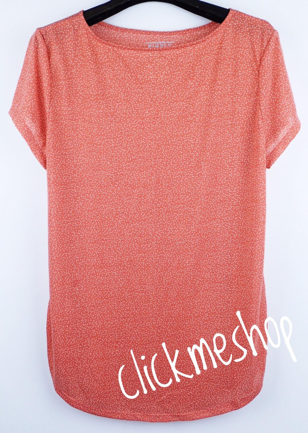 (ไซส์ L หน้าอก 42-44 นิ้ว) เสื้อยืดผ้านิ่ม สีชมพูจุด ยี่ห้อ simply คอปาดหน่อยๆน่ารักคะ