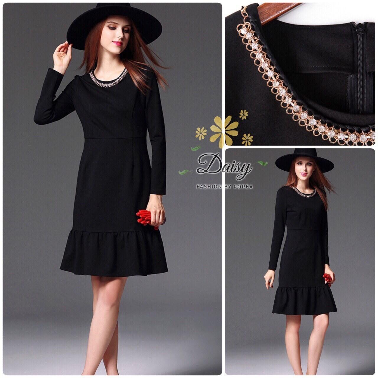 ชุดเดรสผ้ายืดสีดำ