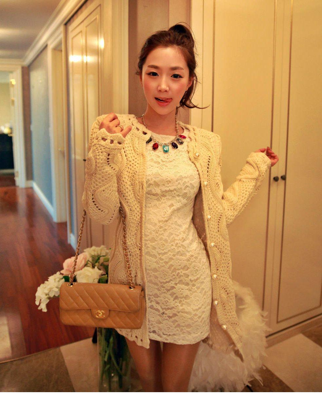 เสื้อสเวตเตอร์ถักเสื้อถัก ฉลุ ลูกไม้ สวยหรู นำเข้า จากเกาหลี สีขาวมุก