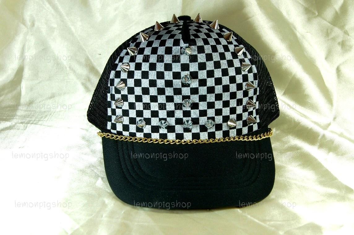 หมวกแก๊ป Cap สีดำลายหมากรุก