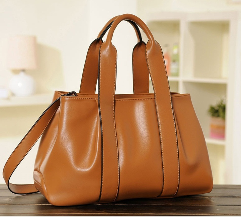 (Pre-order) กระเป๋าสะพายหนังแท้แบบเรียบหรู แฟชั่นกระเป๋าถือ กระเป๋าสะพายสไตล์ยุโรป อเมริกา สีน้ำตาลเข้ม