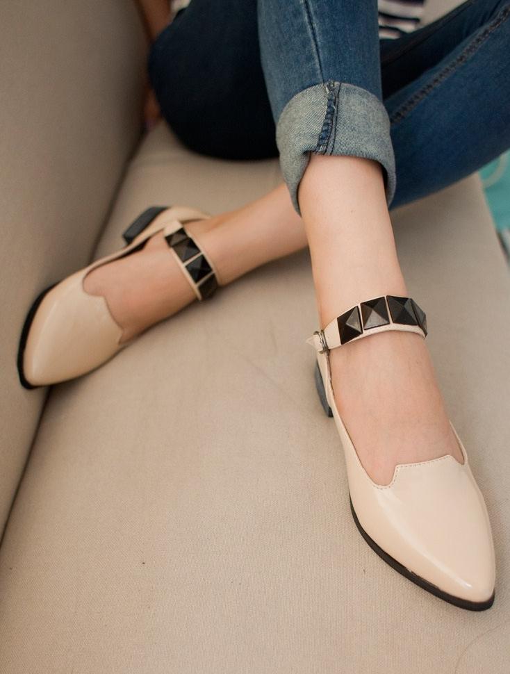 Pre Order - รองเท้าแฟชั่น ดีไซด์น่ารัก ส้นไม่สูง ใส่สบาย