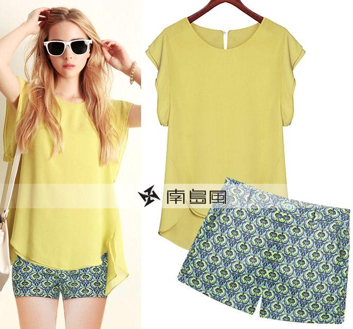 PreOrderไซส์ใหญ่ - เซตคู่เสื้อกางเกงแฟชั่น ไซส์ใหญ่ คนอ้วน เสื้อชีฟองใส่สบายสีเหลือง กางเกงขาสั้นพิมพ์ลายสีเขียว