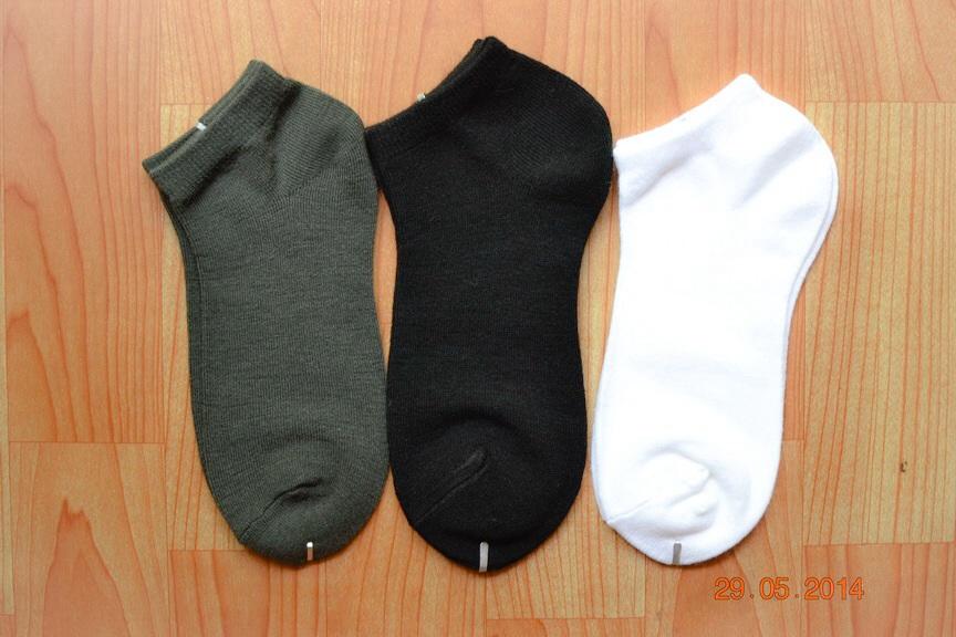S002**พร้อมส่ง** (ปลีก+ส่ง)ถุงเท้าสีพื้น ข้อตาตุ่ม มี 12 คู่ต่อแพ็ค คละ 3 สี เนื้อดี งานไทย (Made in Thailand)