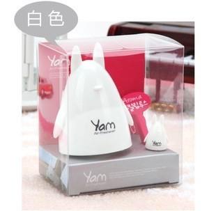 น้ำหอมตกแต่งรถยนต์ Yam Totoro สีขาว (Package บุบเล็กน้อยคะ สภาพด้านในปกติ 100%คะ)