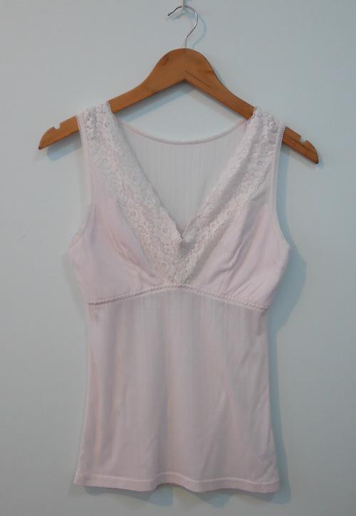 jp3830 เสื้อซับในผ้ายืดสีชมพูอ่อน รอบอก 32-34 นิ้ว