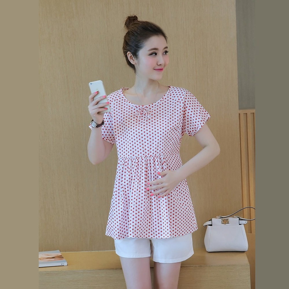 ชุดเซ็ตคลุมท้อง เสื้อแขนสั้นสีขาวลายจุดแดง + กางเกงพยุงหน้าท้องสีขาว มีสายปรับระดับได้ งานดี น่ารัก ใส่สบายๆมากๆค่ะ