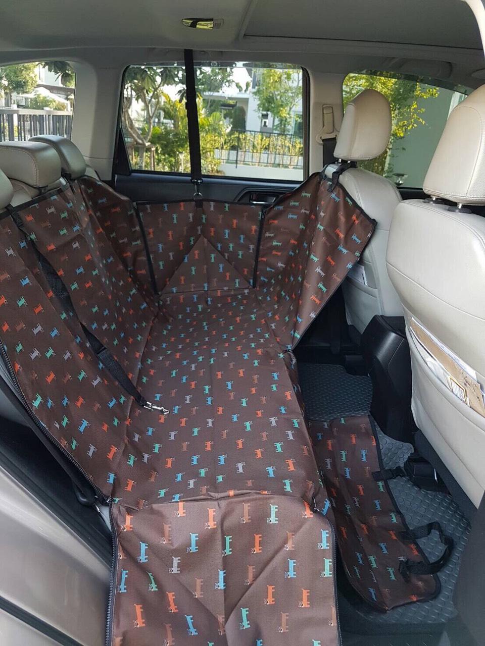 ที่รองเบาะรถยนต์สำหรับสุนัข ด้านหลัง 2 ที่นั่ง 2 in 1 สีน้ำตาลเข้มลาย