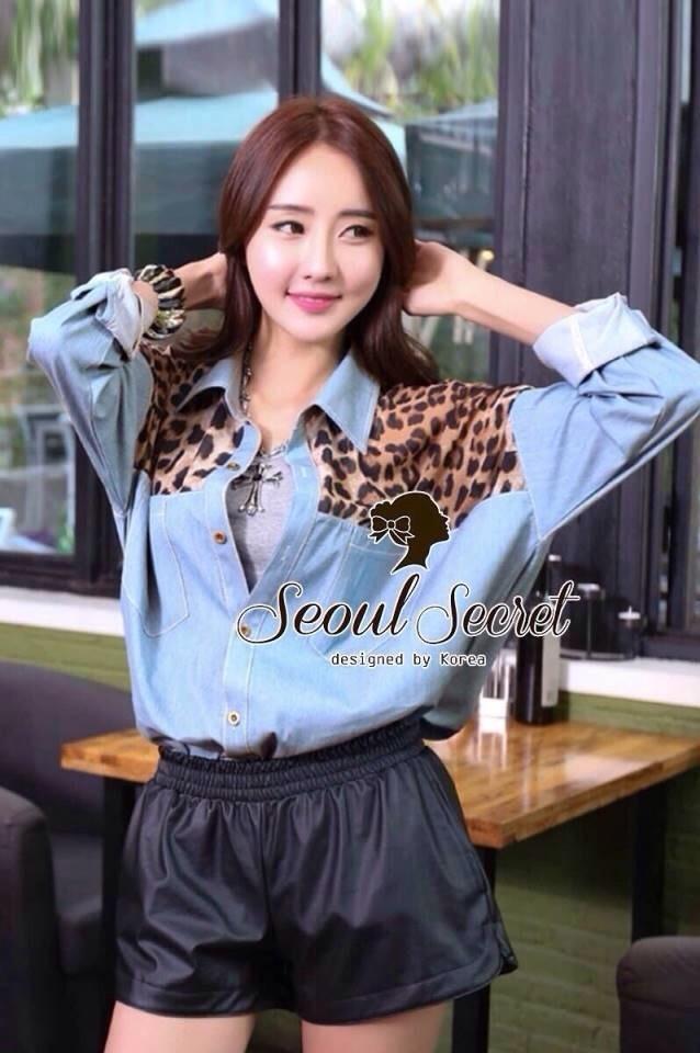 Seoul Secret เชิ้ตสียีนส์ ต่อด้วยผ้าชีฟองลายเสือ